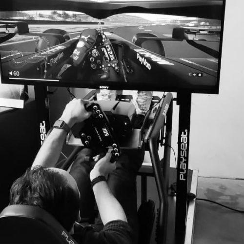 F1 Simulator in actie op jouw locatie